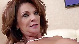 Brunette milf hottie with big boobs learns how to squirt
