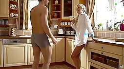 Naughty vivid sexy nympho Dido Angel enjoys morning cunnilingus in the kitchen
