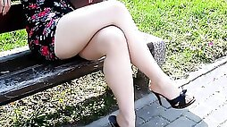 Kinky voyeur films hot legs of that lovely lady at the park
