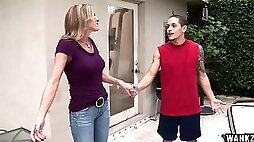 A MILF meets a younger guy in the workout room and rides his shaft